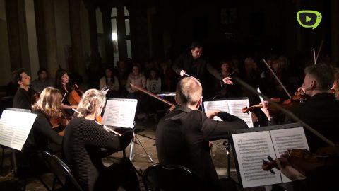 Músics del Gran Teatre del Liceu actuen sota la direcció de Ionut Podgoreanu en el Sonar Amer